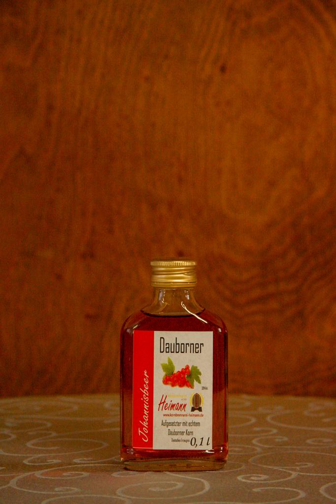 Dauborner Aufgesetzter mit Johannesbeeren, Flasche, 30% vol.