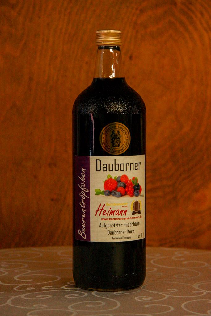 Dauborner Aufgesetzter mit Beerenfrüchten, Flasche, 24% vol.