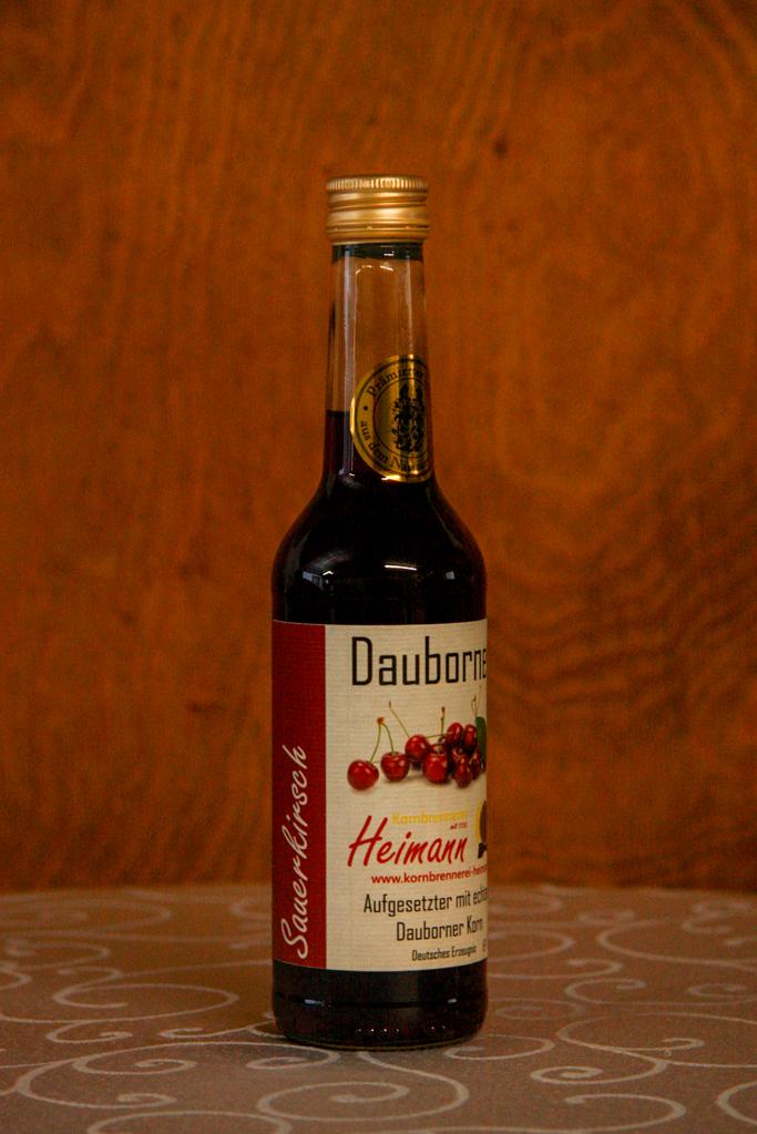 Dauborner Aufgesetzter mit Sauerkirschen, Flasche, 30% vol.
